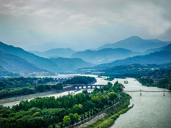 https://it.topchinatravel.com/pic/citta/chengdu/attractions/Dujiangyan-Irrigation-System-13.jpg