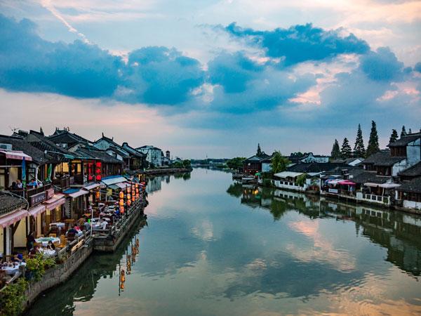 https://it.topchinatravel.com/pic/citta/shanghai/attractions/Zhujiajiao-Water-Town-2.jpg