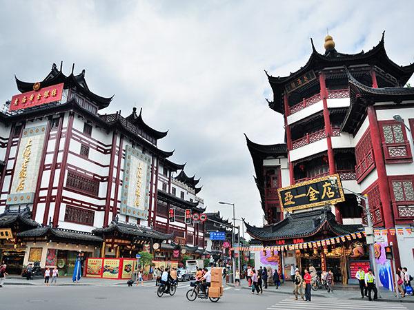 https://it.topchinatravel.com/pic/citta/shanghai/attractions/chenghuangmiao-old-street-01.jpg