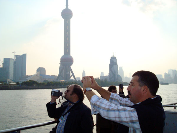 https://it.topchinatravel.com/pic/citta/shanghai/clients/tct-clents-the-bund-06.jpg
