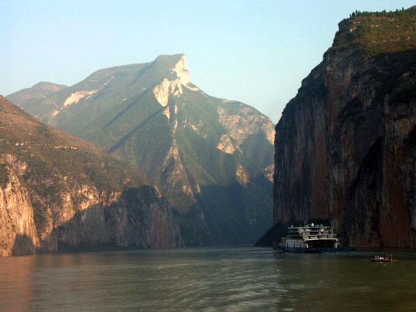 https://it.topchinatravel.com/pic/citta/yangtze-river/attractions/qutang-gorge-8.jpg